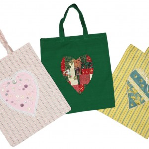 Shows three versions of the simple shopping bag arranged in a fan shape.