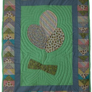 A full view of the Balloons Baby Quilt